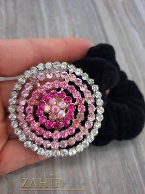 Розово-бял метален овал с кристали на черен велурен ластик - LK1085