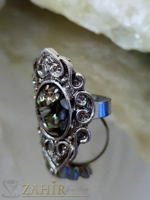 Дамски бижута - Изящно изработен пръстен с натрошен седеф, сребърно покритие, регулиращ се размер - P1488