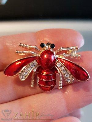 Червена емайлирана брошка пчела 4 на 2 см с бели кристали и златно покритие - B1138