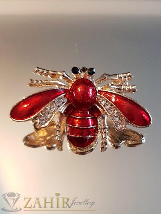 Дамски бижута - Червена емайлирана брошка пчела 4 на 2 см с бели кристали и златно покритие - B1138