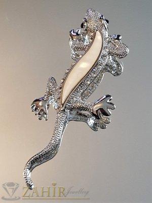 Ефектен гущер брошка 8 см с бял седеф и бели кристали, сребърно покритие - B1148