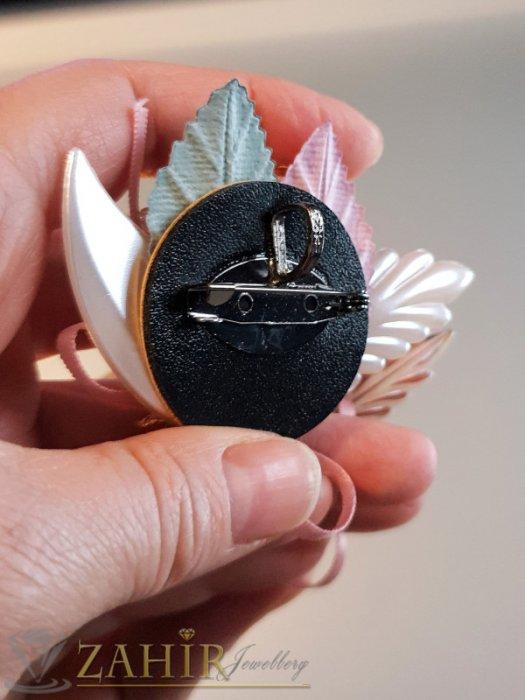 Дамски бижута - Дизайнерска арт брошка или аксесоар, 7 на 5 см, разноцветна с мъниста, перли и пандела - B1156