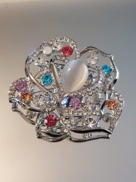 Първокласно многоцветно кристално цвете брошка 6 на 5 см с камък котешко око и сребърно покритие - B1175