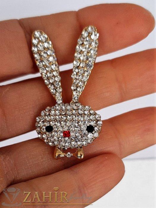 Дамски бижута - Нежна брошка кристално зайче с размери 4 на 2 см, сребърно покритие, бели кристали - B1186