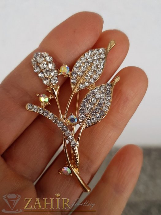 Елегантна и впечатляваща брошка кристални цветя с размери 6 на 3 см, златно покритие, бели кристали - B1187