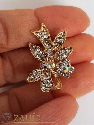 Много малка нежна брошка кристална панделка с размери 3 на 1,5 см, златно покритие, бели кристалчета - B1200