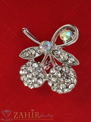 Много малка нежна брошка кристални черешки с размери 2 на 2 см, сребърно покритие, бели кристалчета - B1202