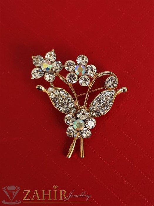 Дамски бижута - Класическа брошка кристален букет цветя с размери 3,5 на 3 см, златно покритие, бели кристалчета - B1203