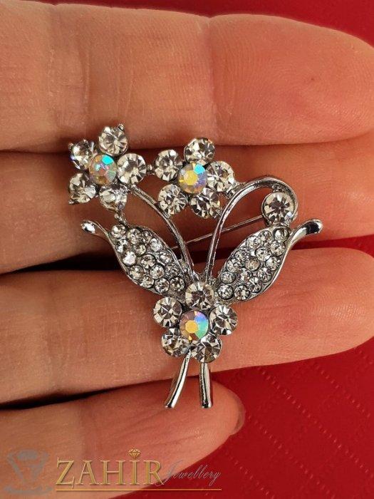 Дамски бижута - Класическа брошка кристален букет цветя с размери 3,5 на 3 см, сребърно покритие, бели кристалчета - B1204