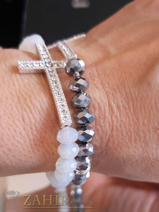 Дамски бижута - Кристален сребрист кръст 4 см на ластична гривна от кристални мъниста, 6 цвята - G2033