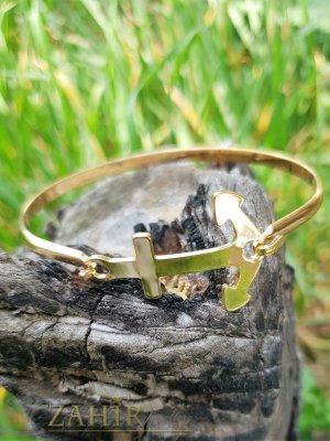 Полирана стоманена бенгъл гривна с елемент котва, диаметър 6,5 см, златно покритие - G2039