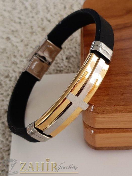 Бижута за мъже - Великолепна стоманена гравирана плочка с кръст 5 см на черна силиконова гривна 20 см, стоманена закопчалка - GS1377