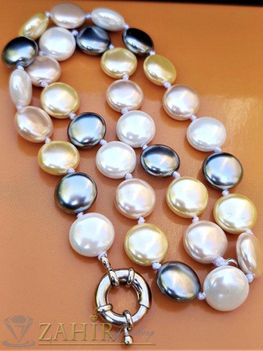 Дамски бижута - Искряща огърлица 47 см с плоски 1,2 см разноцветни перли Майорка, ефектна закопчалка - K1921