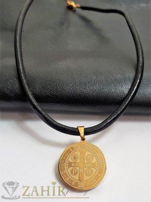 Медальон със Светец и 2 лица на висулка 3 см на черна естествена кожена каишка налична в 3 размера - K1980