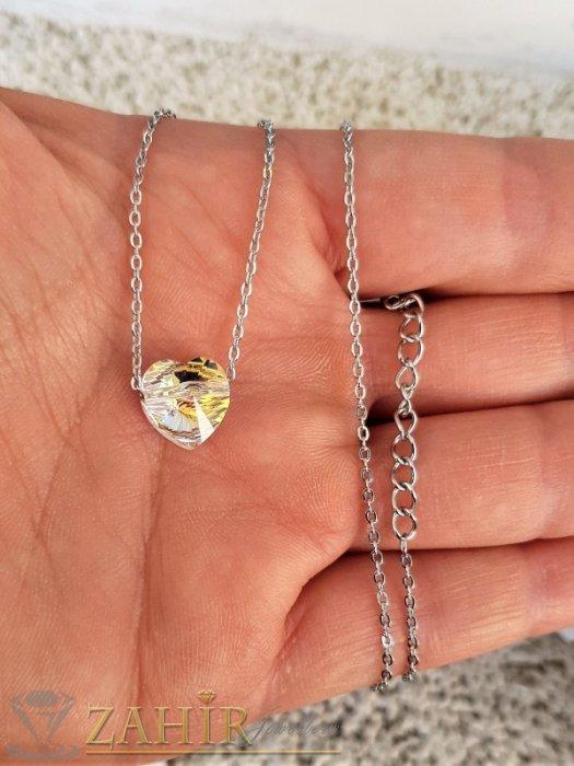 Дамски бижута - Нежно кристално холографно сърце 1 см, променя цвета си според светлината, на стоманена верижка 50 см - K2010