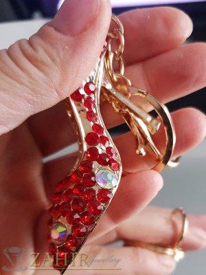 Изящно изработена кристална обувка 8 см с червени циркони на ключодържател 14 см - KL1069