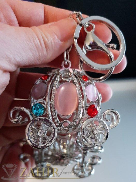 Разкошна стоманена каляска с розови опали и цветни кристали, движещи се колела на ключодържател 12 см - KL1086