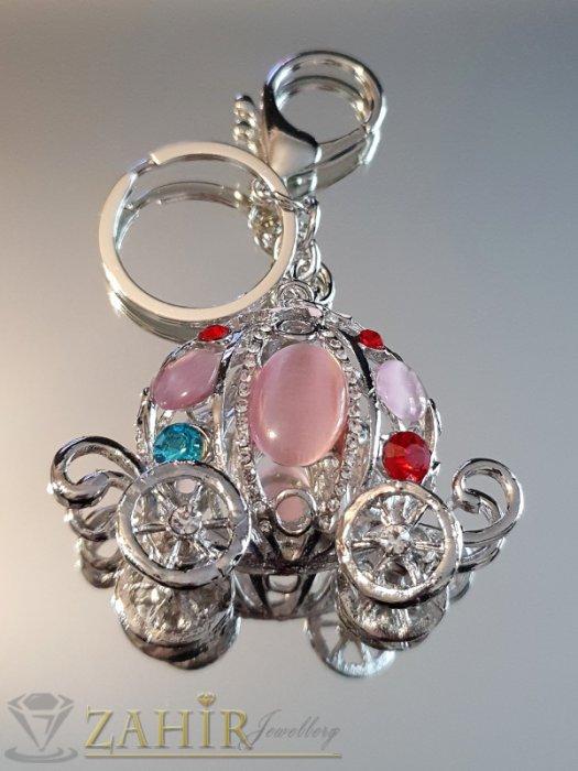 Аксесоари за коса - Разкошна стоманена каляска с розови опали и цветни кристали, движещи се колела на ключодържател 12 см - KL1086