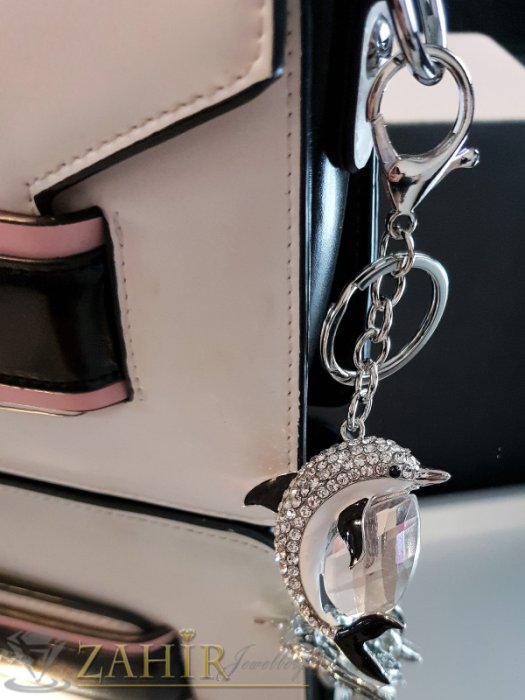 Аксесоари за коса - Изящен кристален делфин талисман с черни перки и голям бял кристал на стоманен ключодържател 12 см - KL1088