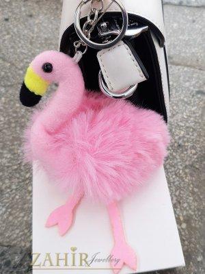 Бонбоненорозово пухкаво фламинго ключодържател 17 на 10 см, сребристи детайли, аксесоар за чанта или ключове - KL1114