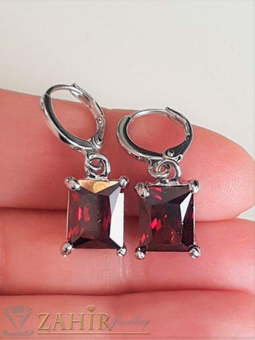Изящен фасетиран тъмночервен циркон 1 см на стоманени обеци 2,5 см, английско закопчаване - O2579