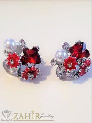 Червени цветчета, прозрачни кристали и перла на обеци, сребърно покритие, на винт - O2589