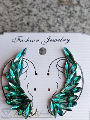 Модни обеци по продължение на ухото със зелени кристали, 6 см дълги - O2623