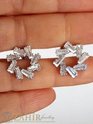 Искрящи кристални обеци снежинки 1,8 см с бели фасетирани кристали, сребърно покритие, на винт - O2652