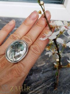 Гравиран седефен пръстен с портрет на дама 3,5 на 2,5 см, регулиращ се  - P1507