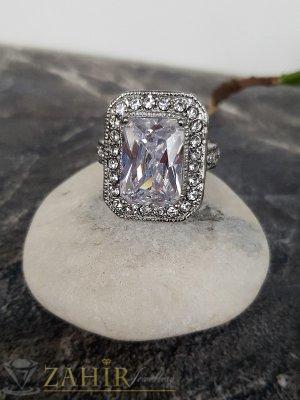 Висококачествен фасетиран правоъгълен циркон 1,7 см на стоманен пръстен в златно или сребърно, изящна изработка - P1510