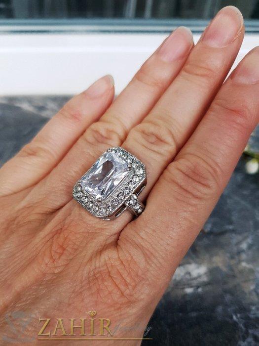 Дамски бижута - Висококачествен фасетиран правоъгълен циркон 1,7 см на стоманен пръстен в златно или сребърно, изящна изработка - P1510