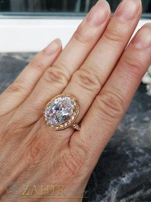 Висококачествен фасетиран голям циркон 1,5 см на стоманен позлатен пръстен, изящна изработка - P1511