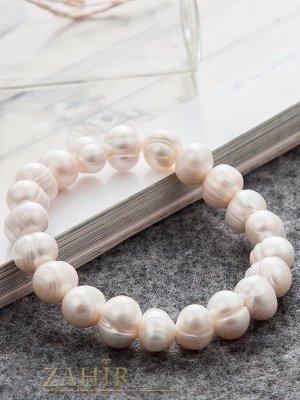 Впечатляваща гривна от естествени бели речни перли по 1 см всяка, изработва се ръчно, налична в 4 дължини - G2083