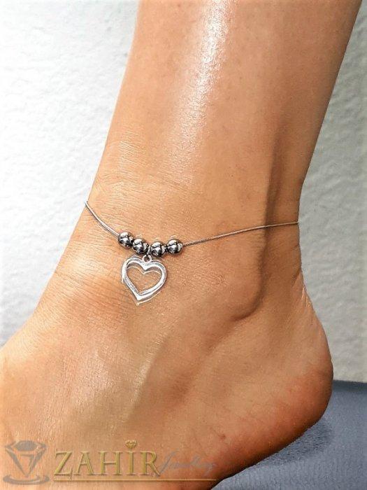 Дамски бижута - Много нежна гривна за крак от медицинска стомана с 4 топчета и висулка прекрасно сърце, дълга 22 с удължител 6 см - GK1242