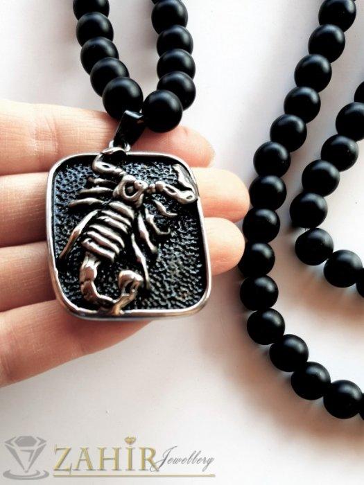 Мъжки бижута - Яко колие в 3 размера от естествен черен матиран оникс 10 мм и с висулка стоманен медальон с триизмерен скорпион 4 на 3 см - MK1413