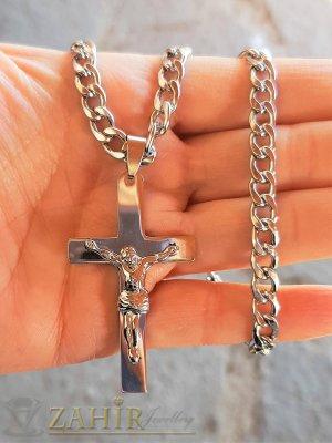 Класически стоманен кръст с Исус 5 на 3 см на изчистен стоманен ланец в 4 размера, широк 0,6 см - ML1525