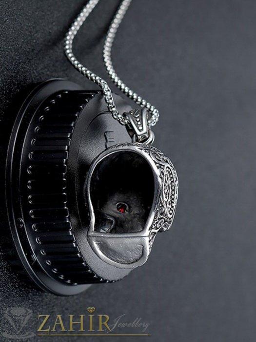 Бижута за мъже - Уникално изработен стоманен гравиран череп 4 см с кристални червени очи на тънка верижка 60 см - ML1546