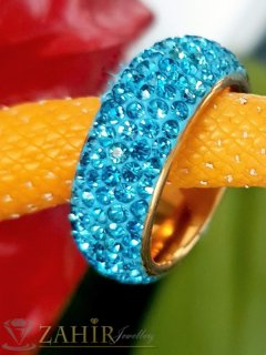 Синя хит модел кристална халка от неръждаема стомана с 5 реда светлосини кристали и златно покритие - P1526