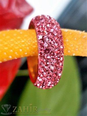 Розова хит модел кристална халка от неръждаема стомана с 5 реда розови кристали и златно покритие - P1527