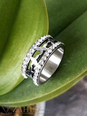 Кристална стоманена гравирана халка с 2 реда бели кристали, широка 1 см, лазерно рязана, не променя цвета си - P1537