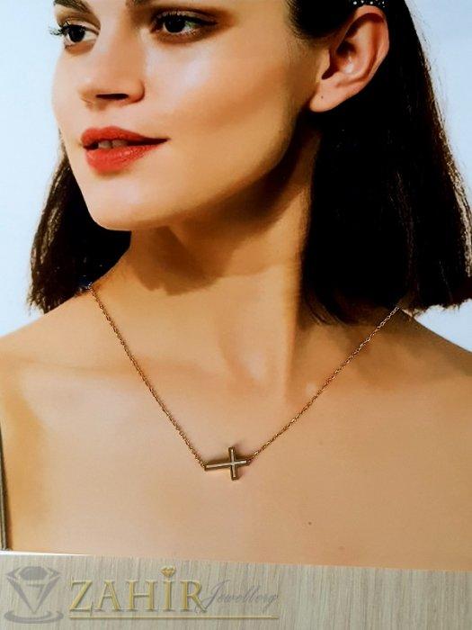 Дамски бижута - Много нежно кръстче 1,5 см с 2 лица с бял седеф на класическа верижка 45+5 см, позлатена стомана - K2068