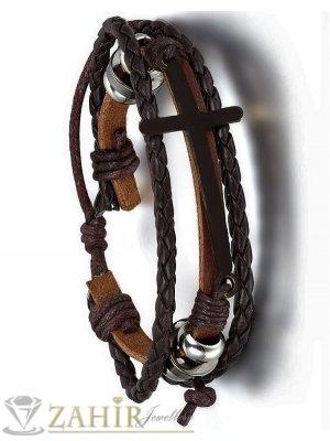Тъмнокафява тройна кожена  гривна с черен кръст 3,5 на 2 см, регулируема дължина  - MG1178