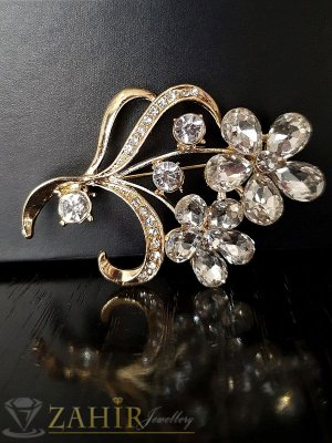 Брошка с бели кристални цветя - 5,5 см, кристали и златно покритие, широка 4 см- B1051