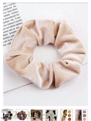 Бежов велурен  ластик за коса с диаметър 13 см, много мек, носи се на опашка или за гривна - L1127