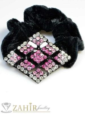 Черен велурен ластик с плочка от цветни кристали - LK1034