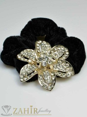 Черен велурен ластик с цвете от бели кристали - LK1011