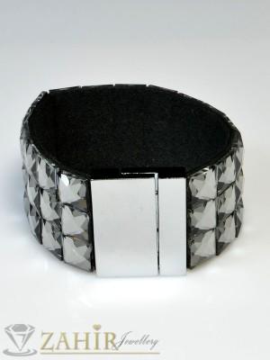 Луксозна гривна с графитени кристали  широка 4 см, дълга 19 см, магнитна закопчалка- G1079