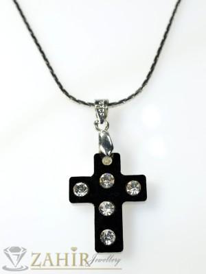 Колие черен кръст с кристали - К1132