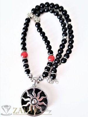 Висококачествен гравиран медальон 3,5 см Слънце на черна оникова броеница 65+5 см  - MK1098