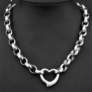 Романтично колие от най-висок клас стомана с красиво сърце на цена само 29 лв, поръчай на тел.0894 551005 или на лично съобщение  #бижута #колиета #ръчнаизработка #мода #сваровски #бижутазахир #полускъпоценникамъни #сертификат #висококачество #перфектнияподарък #jewelryoftheday #jewelrylover #jewelrystore #jewelryArt #jewelrysale #jewelrystyle #valentinepresent #handmade #swarovskielements #silver #naturalstones #beautiful #madewithlove #бижута #броеници #photooftheday #ланци #perfectpresent #бижу #bijutazahir